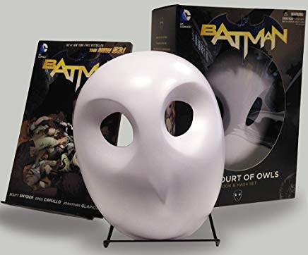 Batman: The Court of Owls Mask and Book Set (The New 52) (Batman: The New 52) Cover
