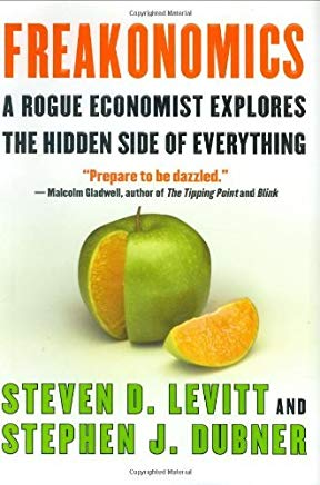 Freakonomics: A Rogue Economist Explores the Hidden Side of Everything (Chinese and English Text Edition) Cover